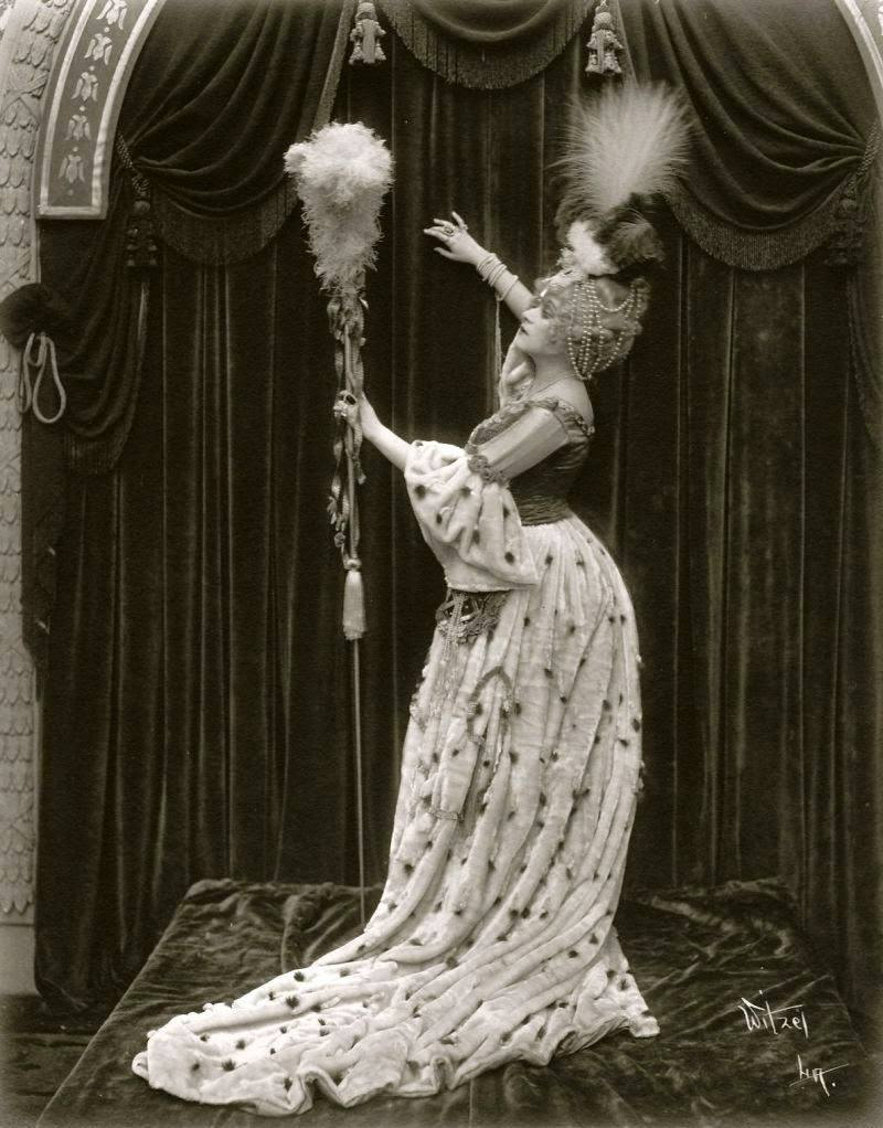 Theda Bara som Madame du Barry, 1917