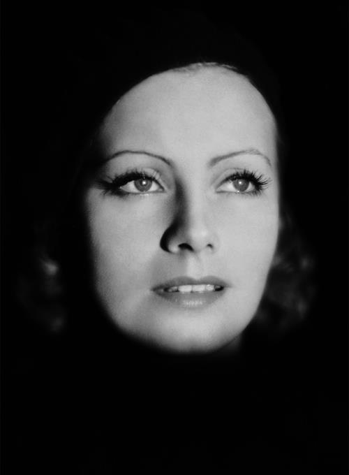 "Greta Garbo, foto Clarence Sinclair Bull för ""The Kiss"", 1929."