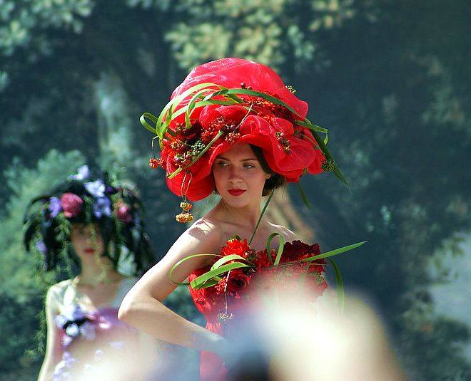 Imperial Bouquet Flower Festival is held every year in honour of the palace's original owner, the Empress Maria Feodorovna (1759-1828).