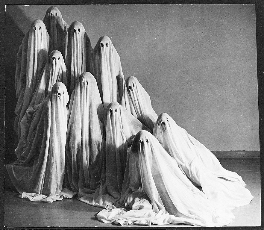 Mary Wigman's Dance Company, photo by Albert Renger-Patzsch, 1935