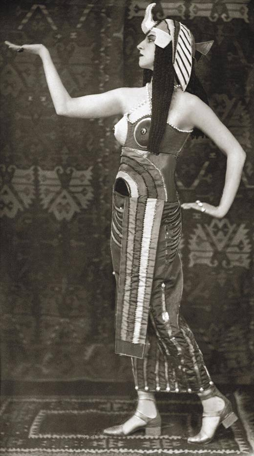 Russian ballerina Lubov Tchernicheva as Cleopatra in the ballet, Caesar and Cleopatra. Costume design by Sonia Delaunay